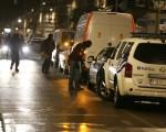3月25日,美國國務院證實,至少有2名美國人在爆炸中遇難;中共當局也證實,一名鄧姓中國公民也在恐襲中遇害。同時,比利時當局繼續搜捕恐怖嫌犯。 ( NICOLAS MAETERLINCK/AFP/Getty Images)