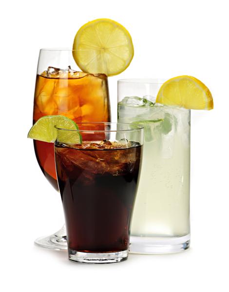 每天喝含糖飲料的人比從不喝含糖飲料的人,多長了30%的內臟脂肪。(Elenathewise /Fotolia)