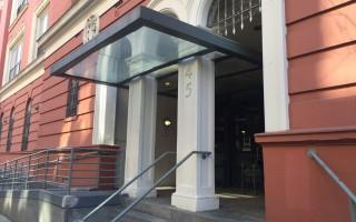 紐約華埠利溫頓老人院 轉到孔子大廈?
