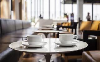 在法國 越禮貌咖啡越便宜