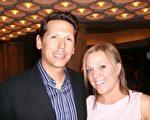 Chris Griffin和妻子Kelly觀看後對神韻讚不絕口。(于麗麗/大紀元)