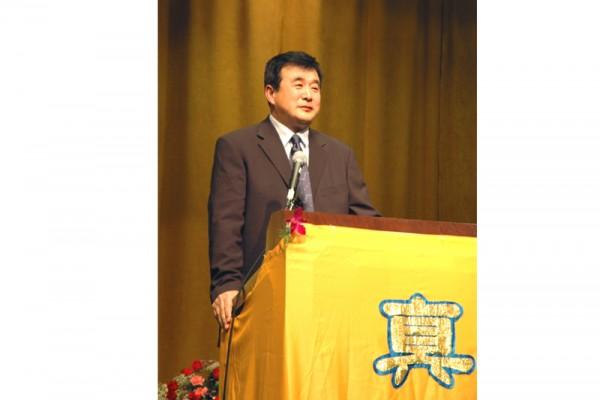 李洪志先生表示法轮功对政权没兴趣