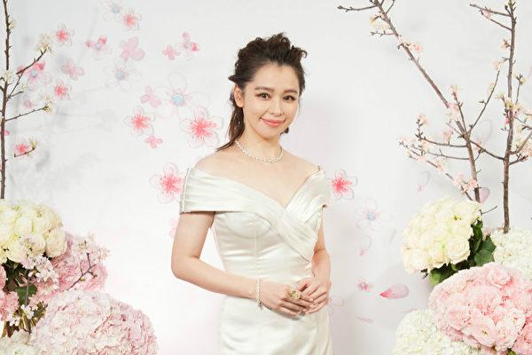 徐若瑄母親節憶童年:甚麼都缺 唯獨不缺愛