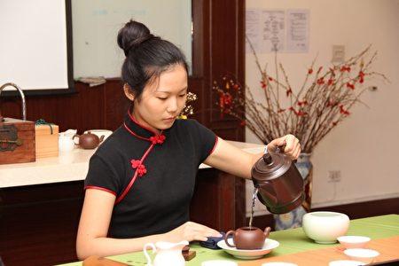 亞太推廣課程-茶藝。(亞太學院/提供)