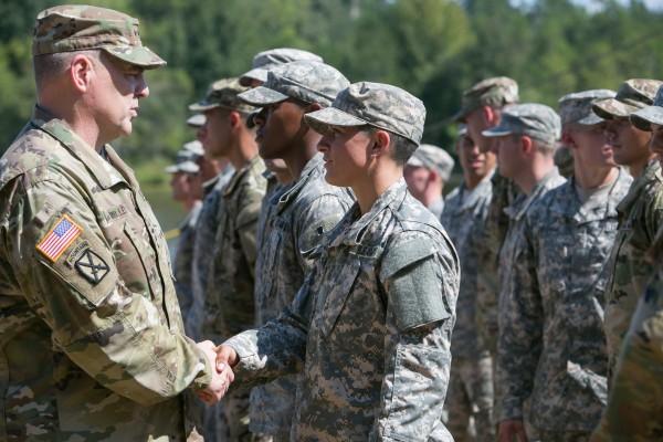 美國防部宣布上前線作戰首批22名女軍官