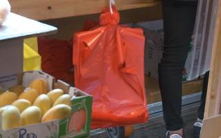 塑料袋收费下月投票 纽约议员:不收费就罚款