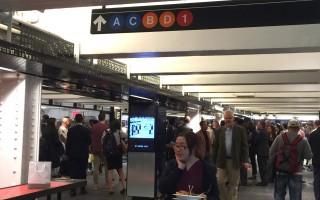 纽约地铁新开地下商业街 人潮汹涌