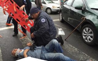 纽约法拉盛华裔老人过马路时被车撞倒