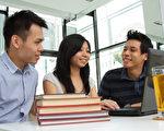 2016年中國學生留學有三大趨勢,即留學低齡化趨勢繼續延伸,海外大學入學難度漸增,以及留學後服務需求大。(fotolia)