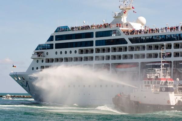 时隔半世纪 美国邮轮首次重启古巴之旅