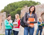 秋季有很多大學展會,如何充分利用展會機會加深對學校的了解並給對方留下印象十分重要。(Fotolia)