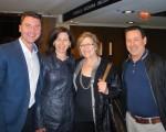 (左起)金融分析師Marc Lavictoire和姐姐Sandra Lavictoire,以及Réjeanne Dumas和銷售代表 Alain Desgagnés四人結伴觀賞了2016年4月30日在蒙特利爾藝術中心的神韻晚會。(滕冬育/大紀元)
