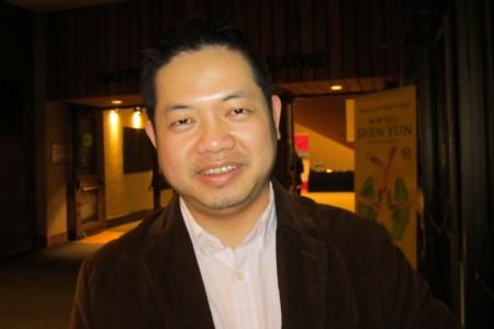 VinceTruong最喜欢第一个节目《救世正法》。(李佳/大纪元)