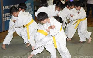 幼童秀過肩摔 為柔道錦標賽揭序
