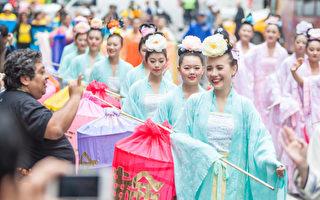 首次参加5.13大游行 华人新学员感恩师父