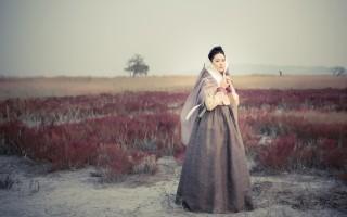 韩国新电视剧《师任堂,the Herstory》剧照,图为李英爱。(Group8提供)