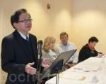 5月26日,在舊金山召開的記者會上,「平等公義協會」會長李少敏(左)稱,加州大學2016年秋季班招生涉嫌違反加州209憲章。(周鳳臨/大紀元)