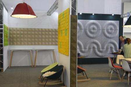 彩色聚酯纖維毛氈可用於視覺牆、造型燈具、隔屏,吸音又美化空間。(合富國際 提供)