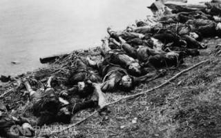 """1967年8月13日,被湖南省道县当地人称为""""乱杀风""""的屠杀从道县开始,扩散至道县所属的零陵地区其他地方,一直杀到10月17日才停手。零陵地区道县等11个县共有7,696人被杀、1,397人被迫自杀、2,146人致伤致残。其中道县有4,193人被杀、326人被迫自杀,占全县总人口的11。7%。图为文革中被屠杀的民众。(网络图片)"""