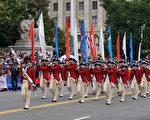 代表美國獨立戰爭時期軍隊的方陣。(林帆/大紀元)