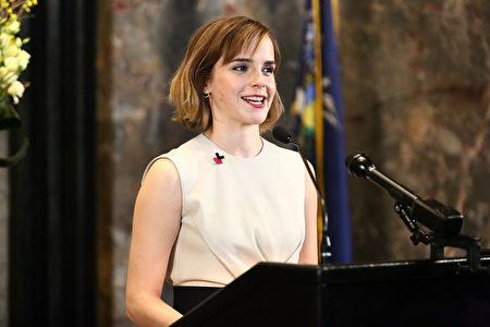 牛津大學瑪格麗特夫人學堂(Lady Margaret Hall)授予「赫敏」愛瑪•沃特森為期三年的兼職訪問學者(Visiting Fellows)頭銜。(Astrid Stawiarz/Getty Images)