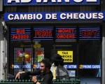 洛杉磯一家發薪日貸款商店(MARK RALSTON/AFP/Getty Images)