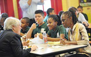 紐約學校食堂衛生堪憂 驚現老鼠蟑螂
