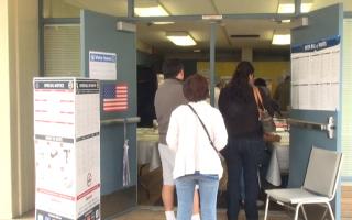 加州初选选民热情高 问题也不少