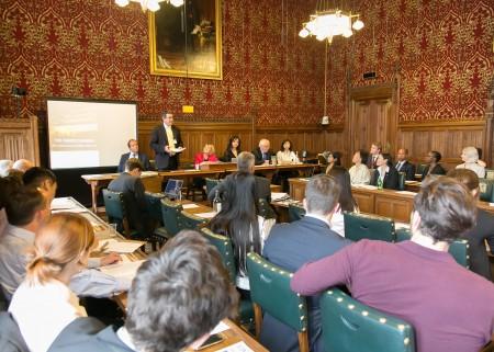 6月28日,英國保守黨人權委員會,在英國國會大廈內舉行中國人權報告的發布會。(羅元/大紀元)