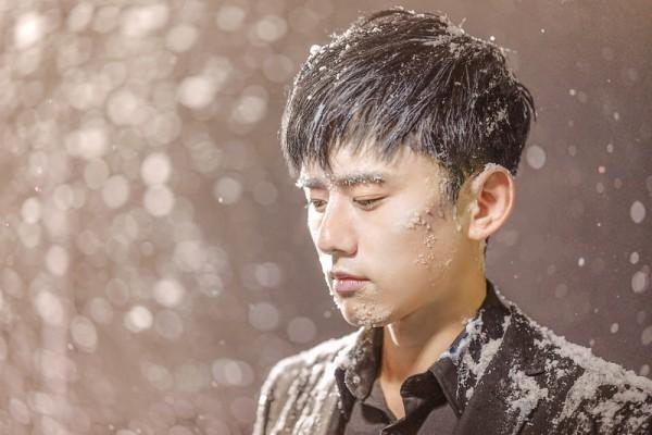 张杰《我想》MV浪漫呈现 坚持不变的思念