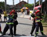 暑假即將到來,為了提升學童消防知識,台中市消防局將舉辦暑期消防營隊,26日在台中文創園區舉辦活動發表會,27日起歡迎家長幫小朋友報名。(台中市消防局提供)