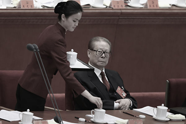 內幕:宋祖英女侍曝料 江澤民穢亂文工團