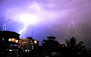 印度雷雨季来袭 两天雷击死67人击伤24人