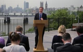 英国公投民调 中间选民忧脱欧加重经济负担