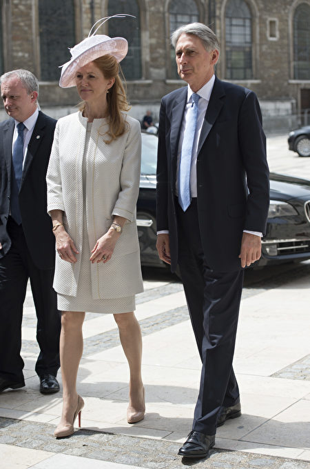 LONDON, ENGLAND - JUNE 10: Foreign Secretary Phillip Hammond and wife Susan Williams-Walker arrive for a reception at the Guildhall following the National Service of Thanksgiving for Queen Elizabeth II's 90th birthday at St Paul's Cathedral on June 10, 2016 in London, United Kingdom. (Photo by Hannah McKay - WPA Pool/Getty Images)