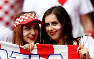 组图:2016年欧洲杯美女球迷热情亮眼