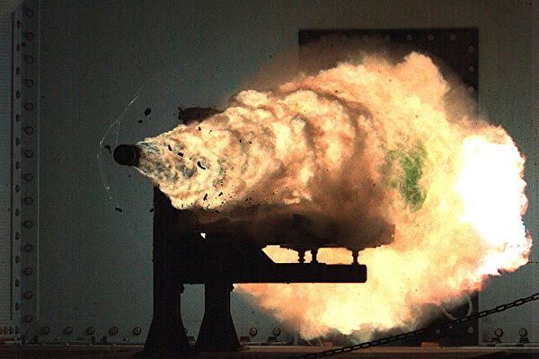 魷魚迷彩和超高速磁軌炮 盤點美軍最新科技