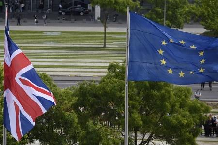 两派竞争异常激烈 英脱欧公投结果难料