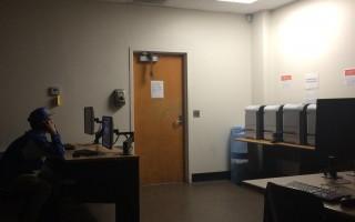 組圖:加州大學爆槍擊 學生關燈自鎖教室