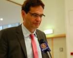 """来自德国的欧洲议会议员彼得‧莱斯(Peter Liese)受访时说:""""现在越来越多的议员参与并关心此事,我希望不久会有一个具体的结果。参与活摘器官的人将会受到惩罚。""""(凌宇/大纪元)"""