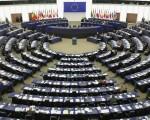 欧洲议会日前在法国斯特拉斯堡举行了三天的全体会议。在探讨欧中关系的时候,议员们表示,中国存在的人权问题不容忽视,不维护人权等基本价值,就无从探讨与中国的战略关系。多位议员提到,如果无视活摘良心犯器官的这种谋杀,就不能讨论与中国的所谓战略关系,必须采取措施制止活摘器官。(Christopher Furlong/Getty Images)