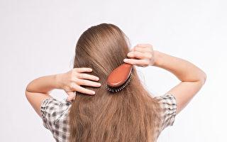 """头发没有吹干就上床 如同跟""""细菌""""同睡"""
