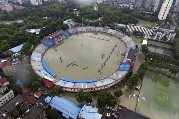组图:从空中看中国南方水灾