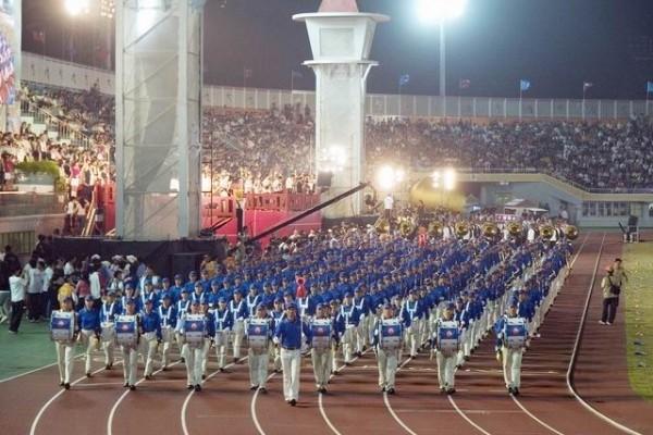 法轮功反迫害17年 专访台湾天国乐团指挥