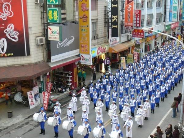 台第一大管乐队世界扬威 专访天国乐团指挥