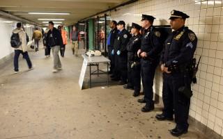 在紐約若被攔查 可要求警察留名片