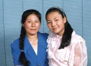 女儿17岁被迫害致死 母亲控告江泽民
