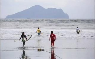 蘭博推出親子衝浪體驗營
