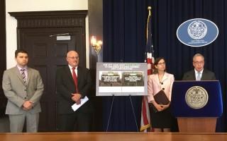 市主計長斯靜格(右一)辦公室表示,只要求房東補交地稅,不會罰款。 (于佩/大紀元)