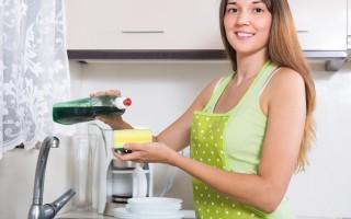 洗碗海绵比马桶脏 视频教你快速杀菌